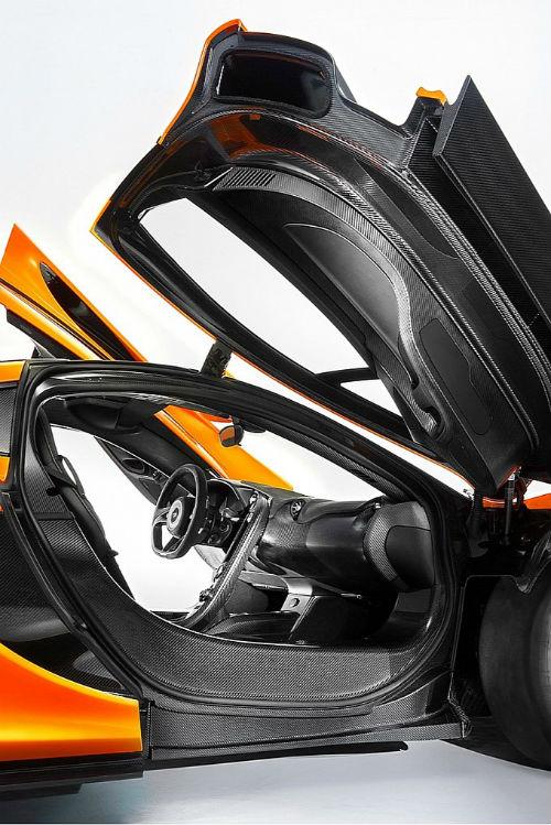 McLaren P1 interior Revealed