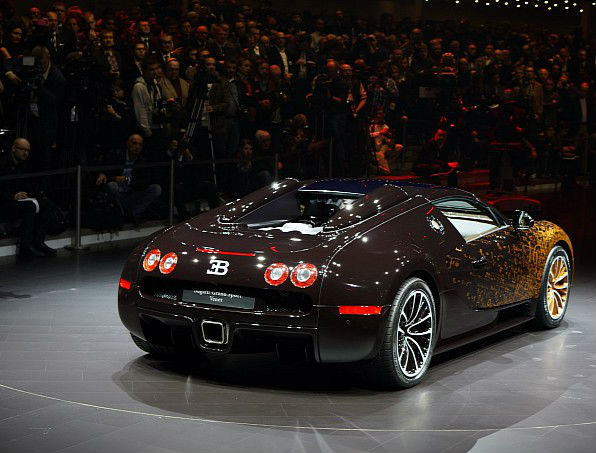 Bugatti Veyron Back View