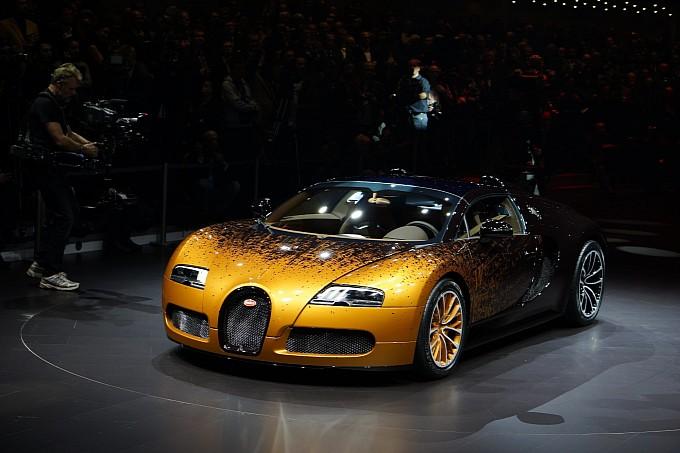 Bugatti Veyron Shatters Art On Geneva Platform Indiandrives Com