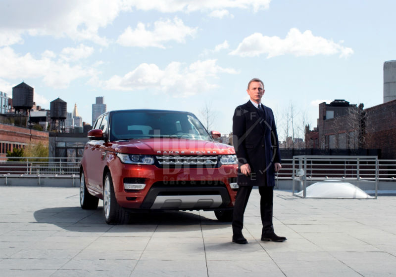 James Bond introduces new Range Rover