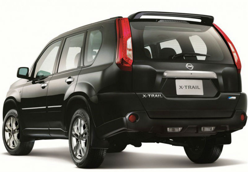 Nissan X-Trail facelift Back View