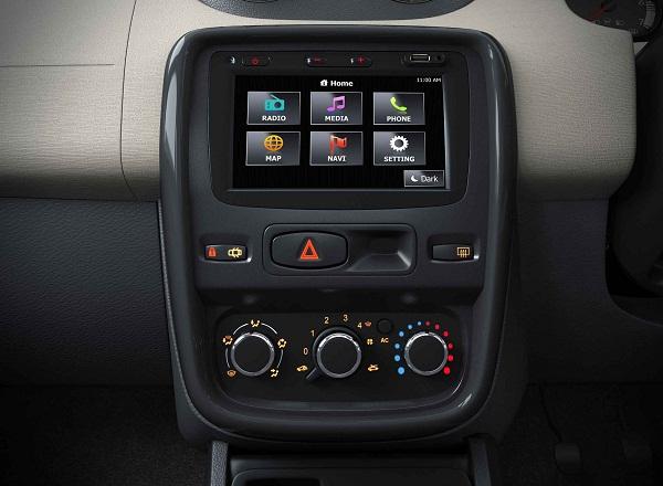 Renault Duster Gets A New Media NAV