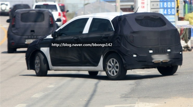 Hyundai i20 spotted testing Back View