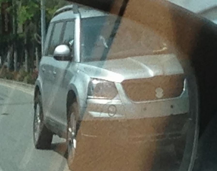 2014 Skoda Yeti facelift caught testing