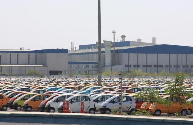 Tata sells just 948 Nano cars during last month