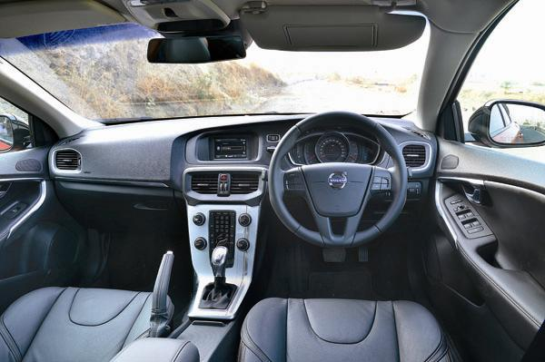 Volvo V40 Cross Country Interiors