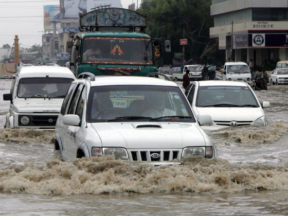 Tips to Drive through the Floods and Water Logged Areas Part 1