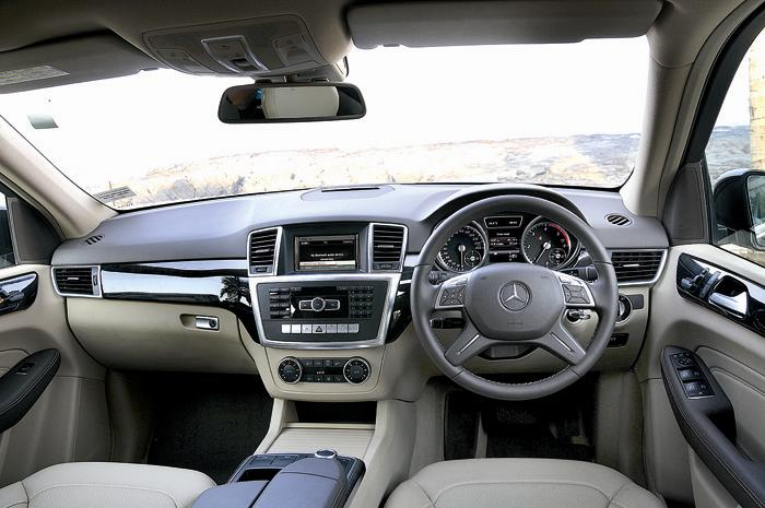 Mercedes Benz ML 250 CDI interiors