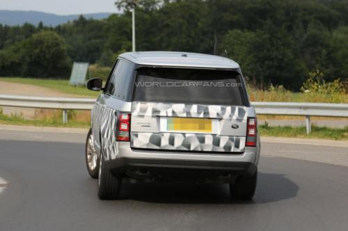 2014 Range Rover Back View