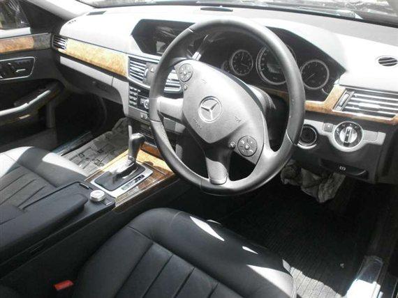 Mercedes-Benz E250 CDI Interiors