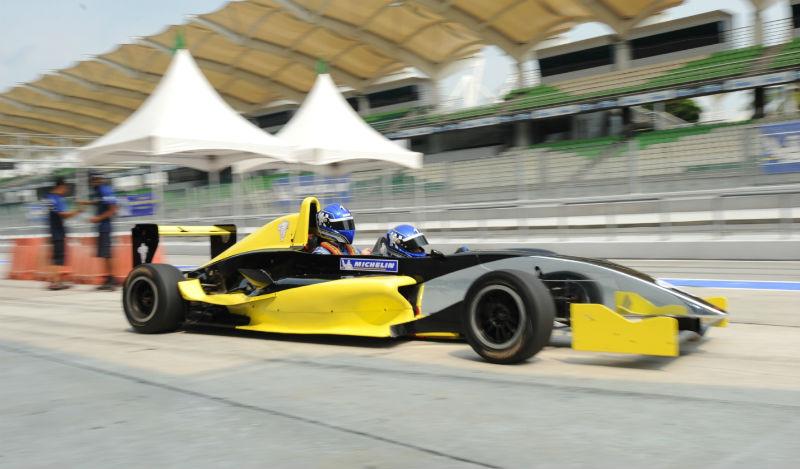 Michelin Pilot Experience 2013