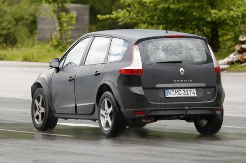 Renault Koleos Spied Testing Back View