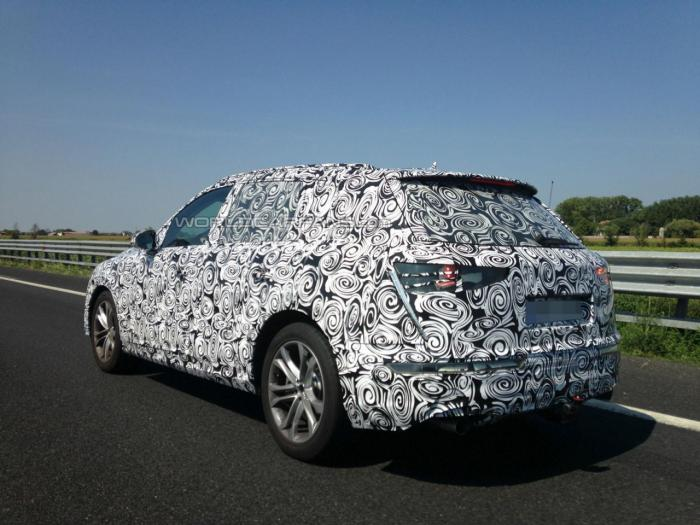 2015 Audi Q7 spied testing