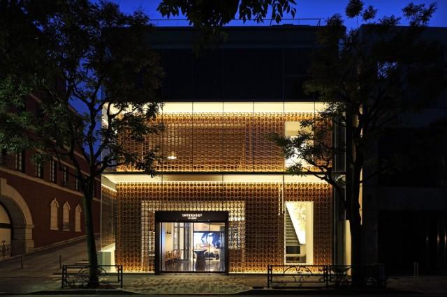 Lexus To Open Luxury Stores
