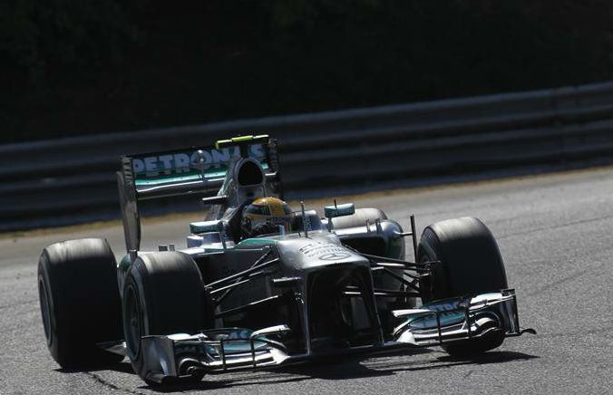 Mercedes offers chance to meet Lewis Hamilton