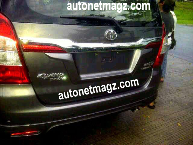 Toyota Innova facelift Back View