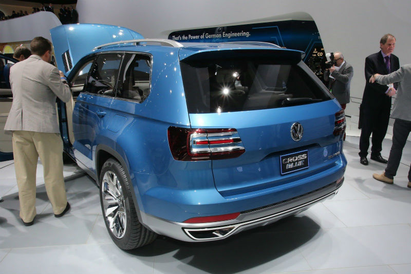 Volkswagen 7-seater crossover Back View