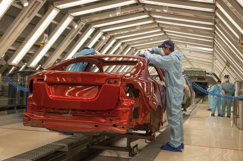 Volvo to soon build cars in China and work with Geely