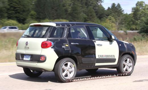 Fiat 500X and entry-level Jeep spied Back View