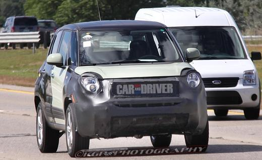 Fiat 500X and entry-level Jeep spied
