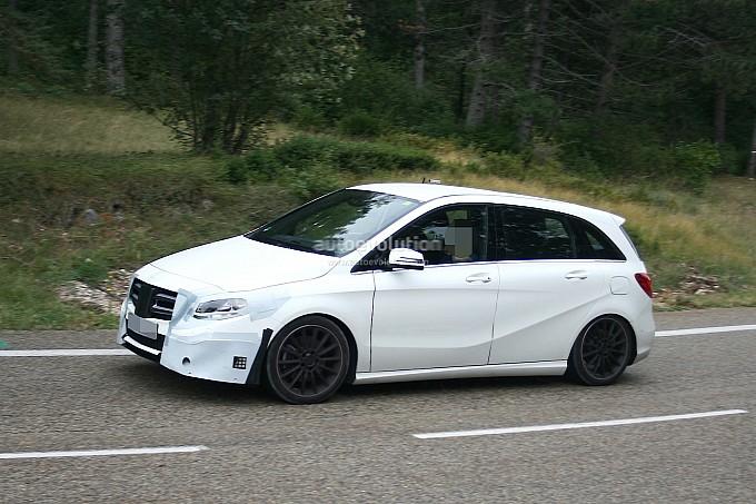 Mercedes Benz B Class facelift Spy Shots