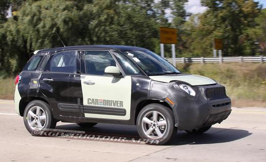 New Fiat 500X and entry-level Jeep spied