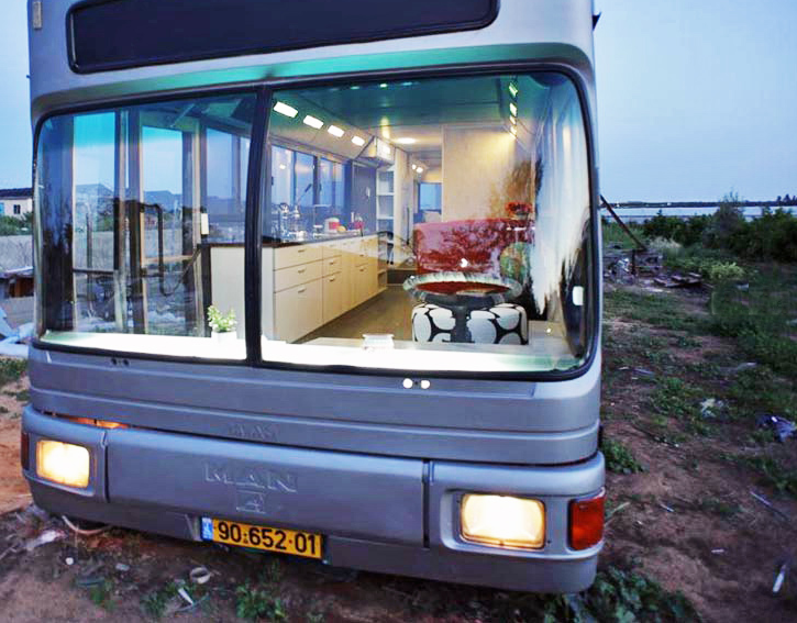 Old Public Bus is salvaged to create a new home in Israel