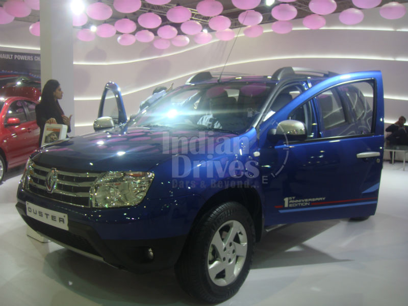 Renault Duster Anniversary Edition in Cosmos Blue paint job