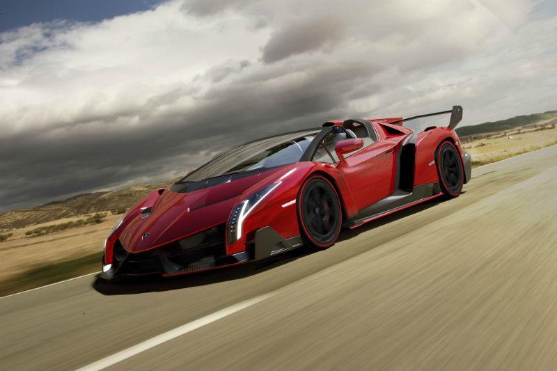 Lamborghini unveils Veneno Roadster