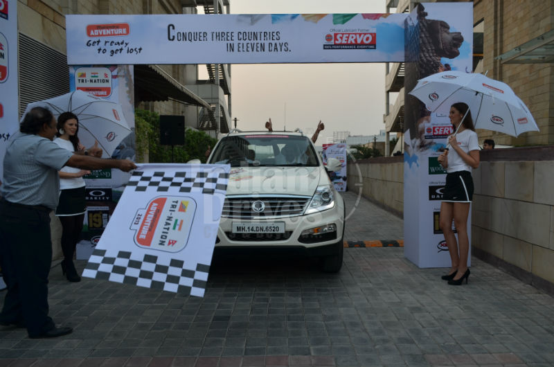 Mahindra Adventure 'Tri-Nation Escape 2013' flags off from Delhi