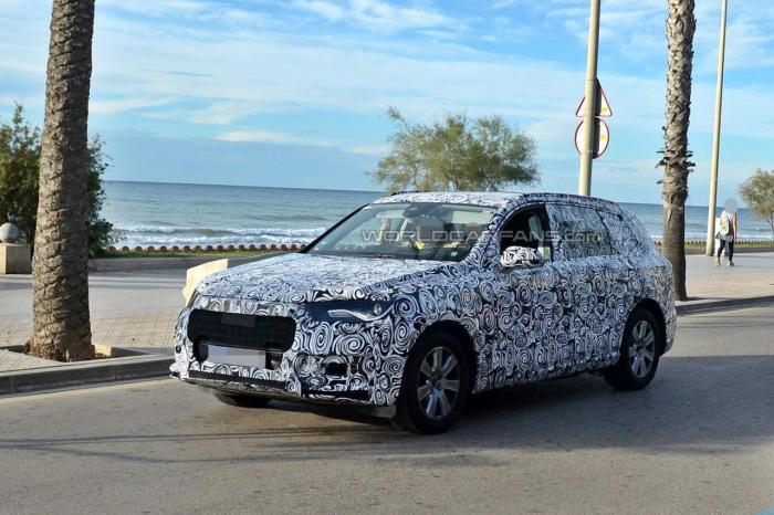 Next-gen Audi Q7 spied testing