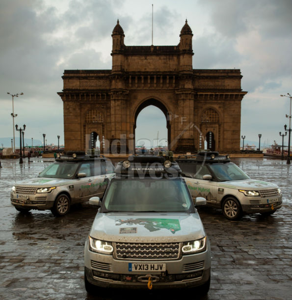 Range Rover Hybrid Gateway of India Mumbai
