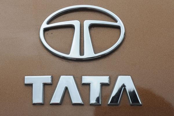 Tata Motors to reveal new hatchback and a compact sedan at 2014 Delhi Auto Expo