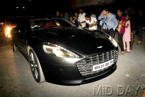 Aston Martin Rapide accident in Mumbai