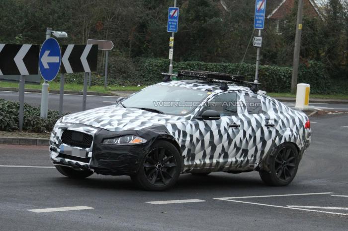 Jaguar crossover spied testing
