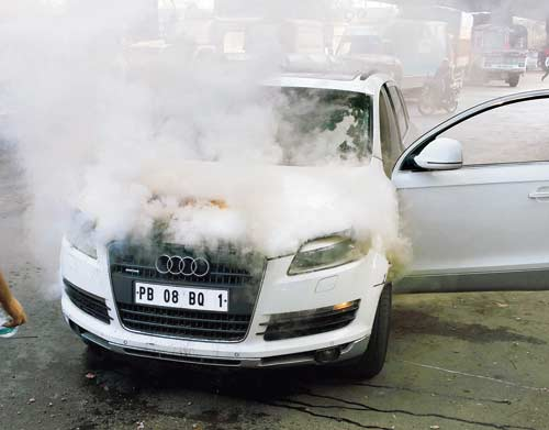 Sonu Sood's Audi Q7 catches fire
