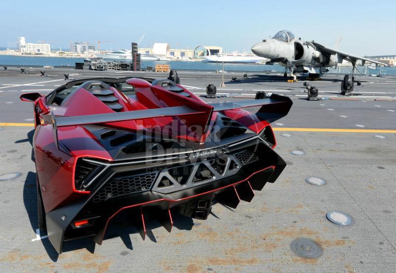 Veneno Roadster su portaerei Cavour Back View