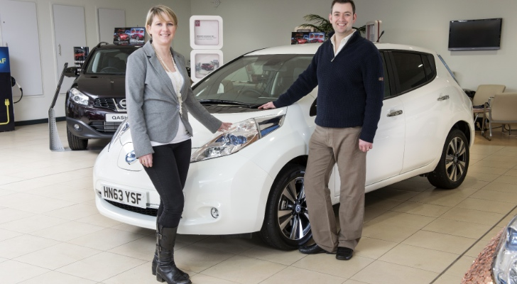 100,000th Nissan Leaf gets Studded with Coins