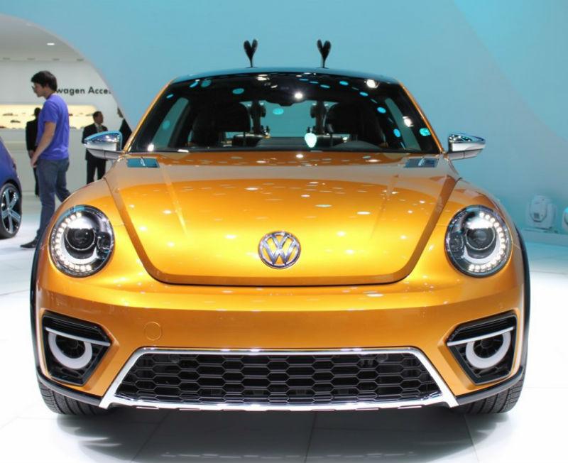 Volkswagen Beetle Dune Concept at 2014 Detroit Auto Show