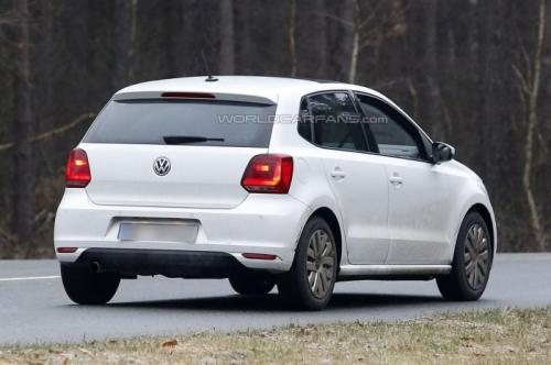 Volkswagen Polo facelift spied Back View