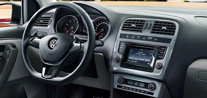 2014 Volkswagen Polo interiors
