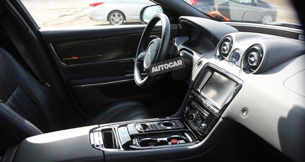 Jaguar XJR Spied interiors