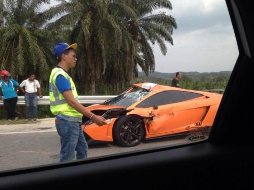 Special Edition Lamborghini Gallardo LP550-2 MLE crashed