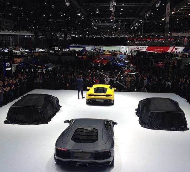 Lamborghini Huracan unveiled at Geneva Motor Show 2014