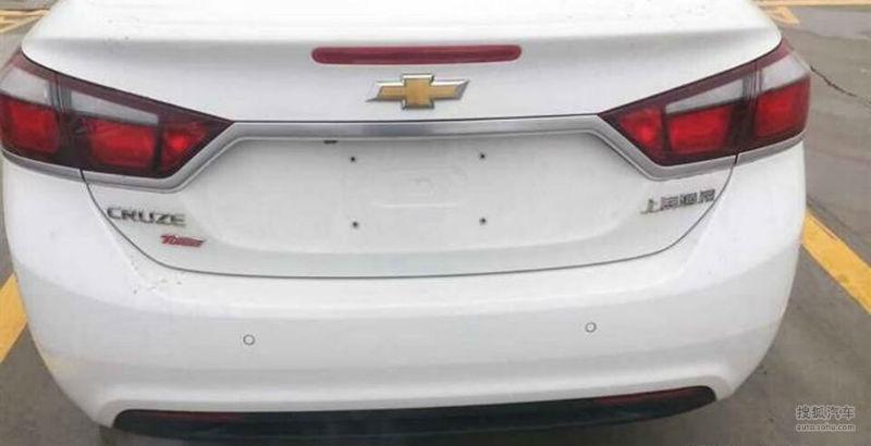2015 Chevrolet Cruze rear spyshot