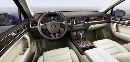 2015 Volkswagen Touareg interiors