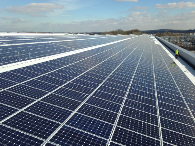 75184-jaguar-land-rover-installs-uks-largest-rooftop-solar-panel-array-at-its-engine-manufacturing-centre