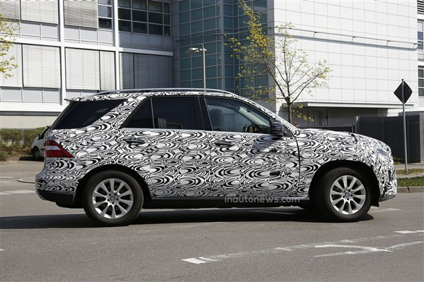 Mercedes-Benz ML Spied