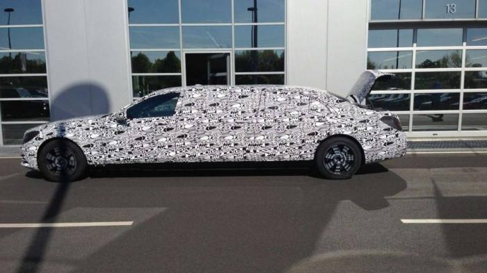 Mercedes-Benz S600 Pullman spied for first time
