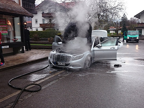 New Mercedes-Benz S-Class Burst into Flames